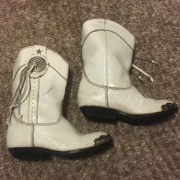 89763c8ed15 Vintage girls white cowboy boots
